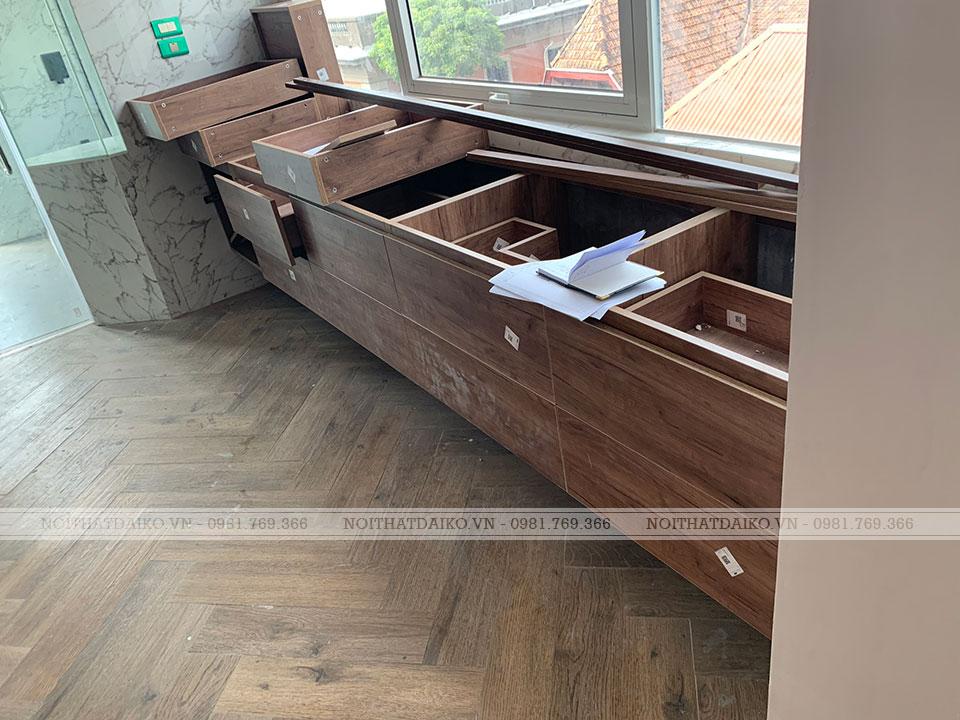 Phòng thay đồ dùng toàn bộ bằng Gỗ Plywood